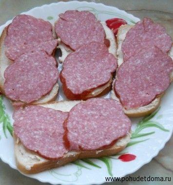 Бутерброд з ковбасою: калорійність, користь і шкода