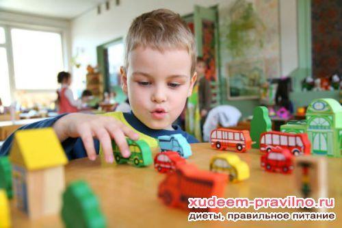Де виховувати дитину або чому корисно ходити в садок?