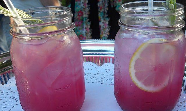 Як приготувати лавандовий лимонад, щоб позбутися від головного болю і неспокою!