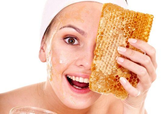 Маска для обличчя з медом: рецепти очищувальних і поживних засобів по догляду за шкірою