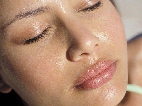 Маски для жирної шкіри обличчя і проблемної: рецепти приготування і особливості застосування
