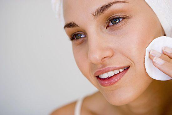 Молочко для зняття макіяжу: як вибрати і користуватися? Рецепт приготування молочка в домашніх умовах