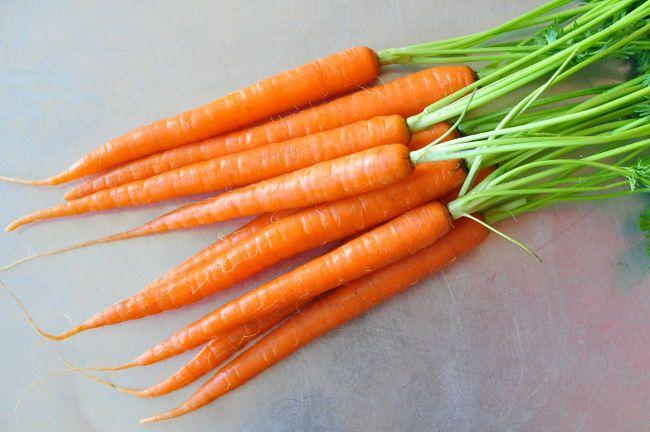 Морква і морквяний сік як джерело каротину і вітамінів