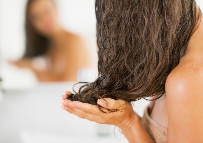 Не потрібно більше витрачати гроші: дізнайтеся, як оновити колір або пофарбувати волосся без фарби для волосся або будь-яких інших шкідливих хімічних речовин!
