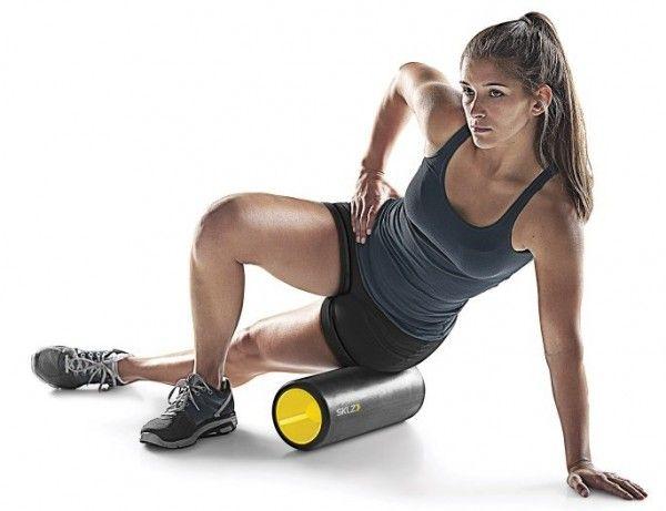 Простий, але ефективний комплекс вправ з гімнастичним валиком: 8 нескладних вправ.