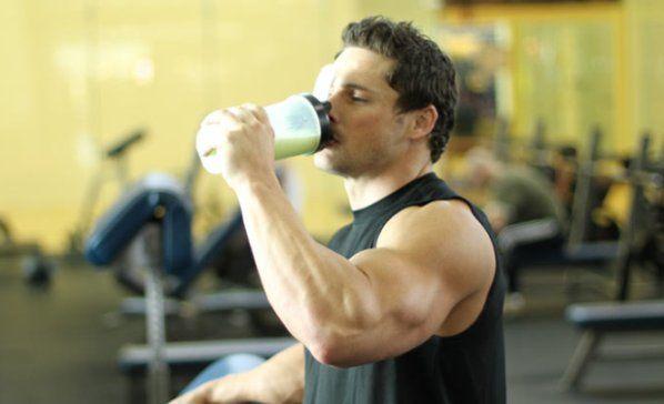 Протеїнові коктейлі - як для нарощування маси, так і схуднення!