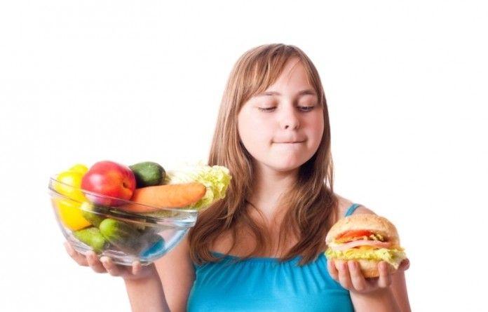 З проблемою зайвої ваги стикаються не тільки дорослі люди, а й підлітки. Ефективні дієти для підлітків