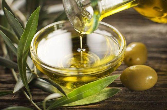 Вітаміни в корисному натуральному оливковій олії