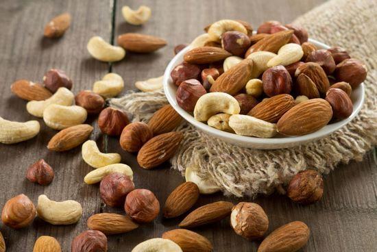 Шкода горіхів - фундука, мигдальних, мускатних, волоських і інших?