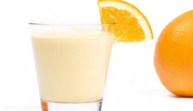 Жиросжигающий кефірний коктейль з апельсином і імбиром